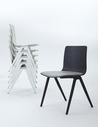 A_Chair_9708_Sitzpolster_Stapel.jpg